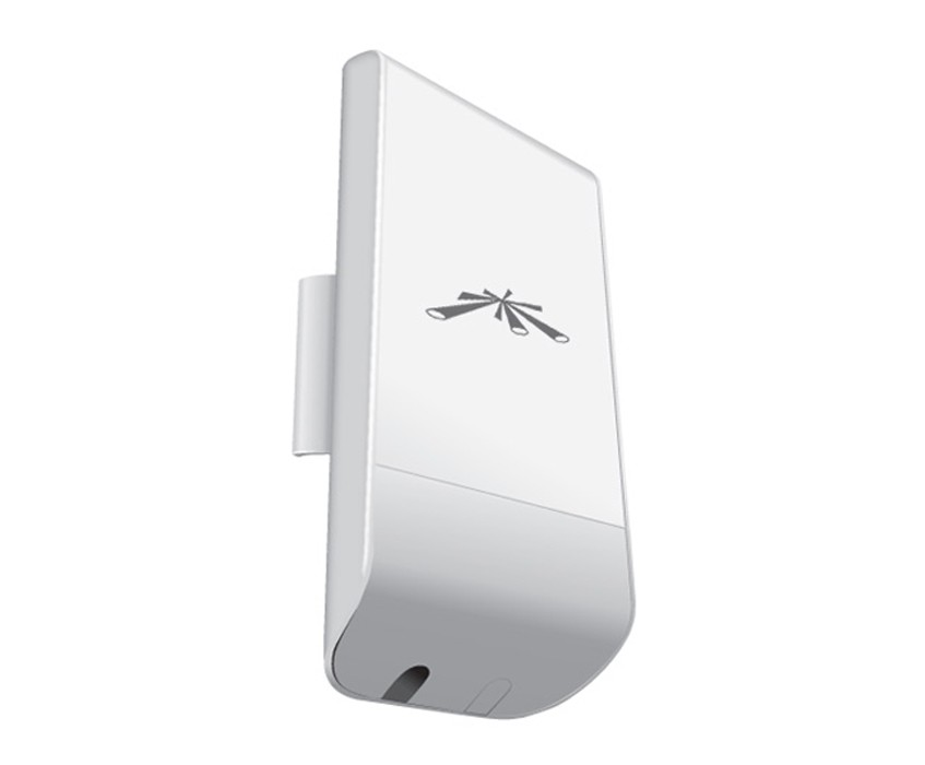 UBIQUITI AIRMAX CPE INDOOR/OUTDOOR 2.4GHZ 13 DBI LOCOM2